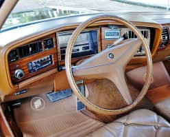 1974 Buick Electra steering wheel by That Hartford Guy (CC BY-SA 2.0)